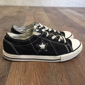 (Like new) Converse One Star canvas sneaker unisex